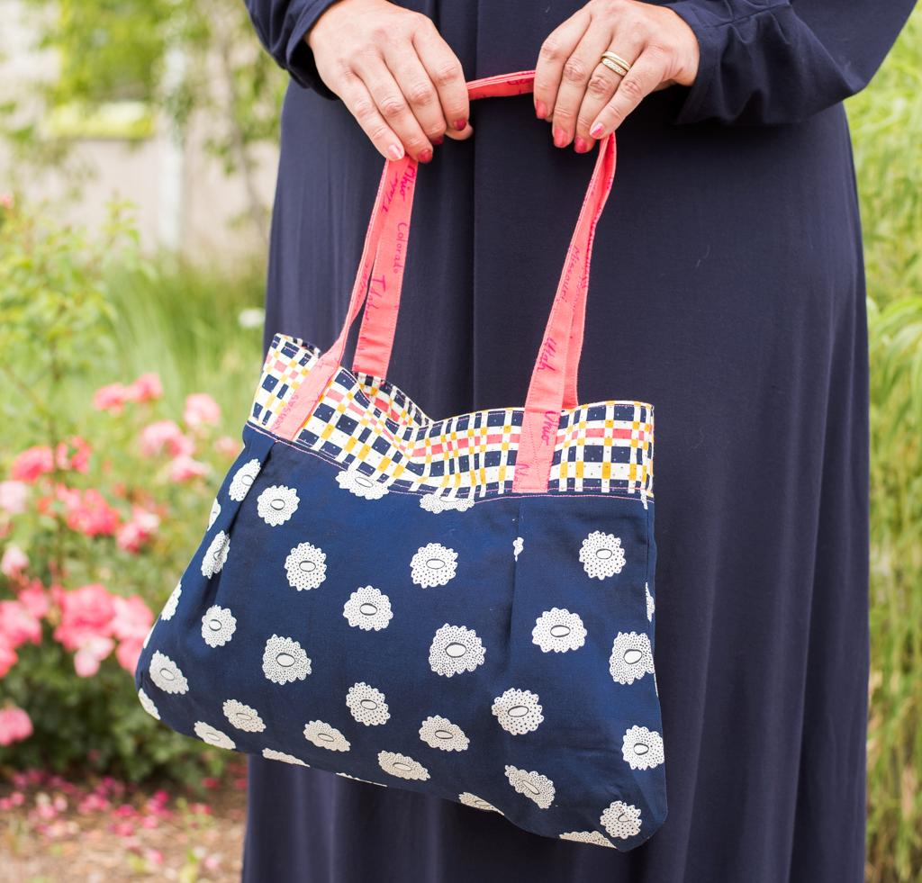 Green Bee Patterns Vera Bag Kit in C+S Navy Floral