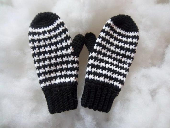 Houndstooth mitten crochet mitten pattern