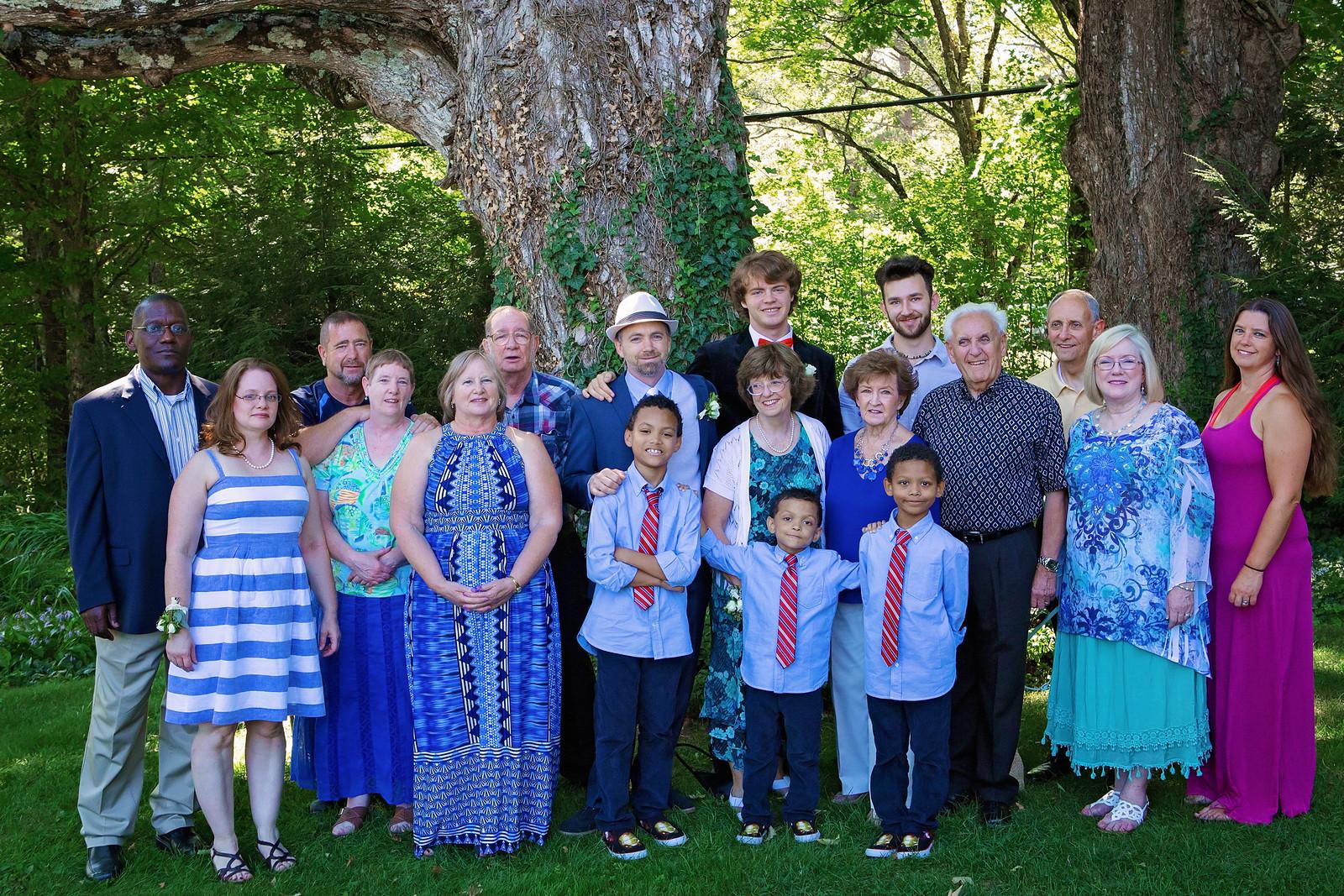 large group, family photo