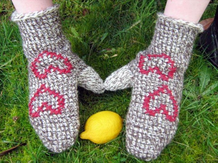 Tunisian colorwork crochet mitten pattern