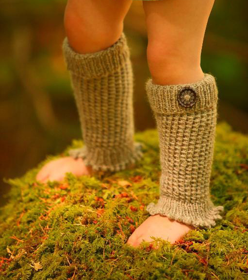 Knitting pattern for Wildlings Leg Warmers in the bamboo stitch
