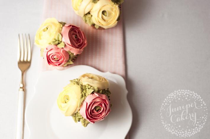 Buttercream flower cupcake tutorial