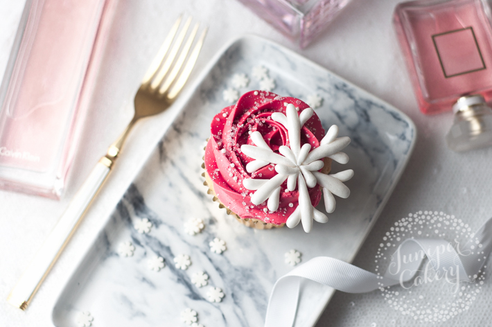 How to make fondant snowflakes without any molds or cutters