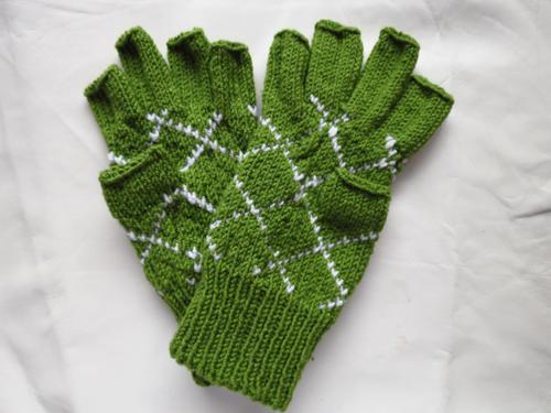Tulbagh Argyle Fingerless Gloves Knitting Pattern