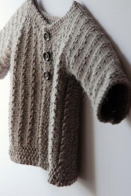 Demne FREE Baby Sweater Knitting Pattern