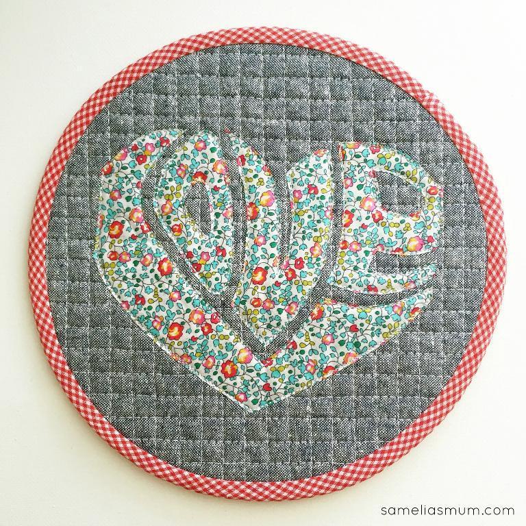 Love is all Around quilt