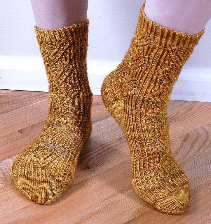 Lacy Leaf Socks Knitting Pattern
