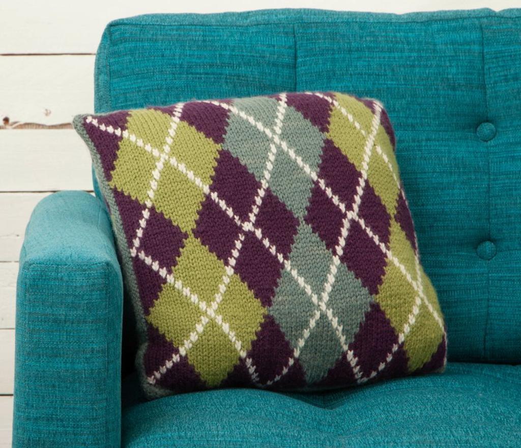 Intarsia Argyle Pillow Knitting Pattern