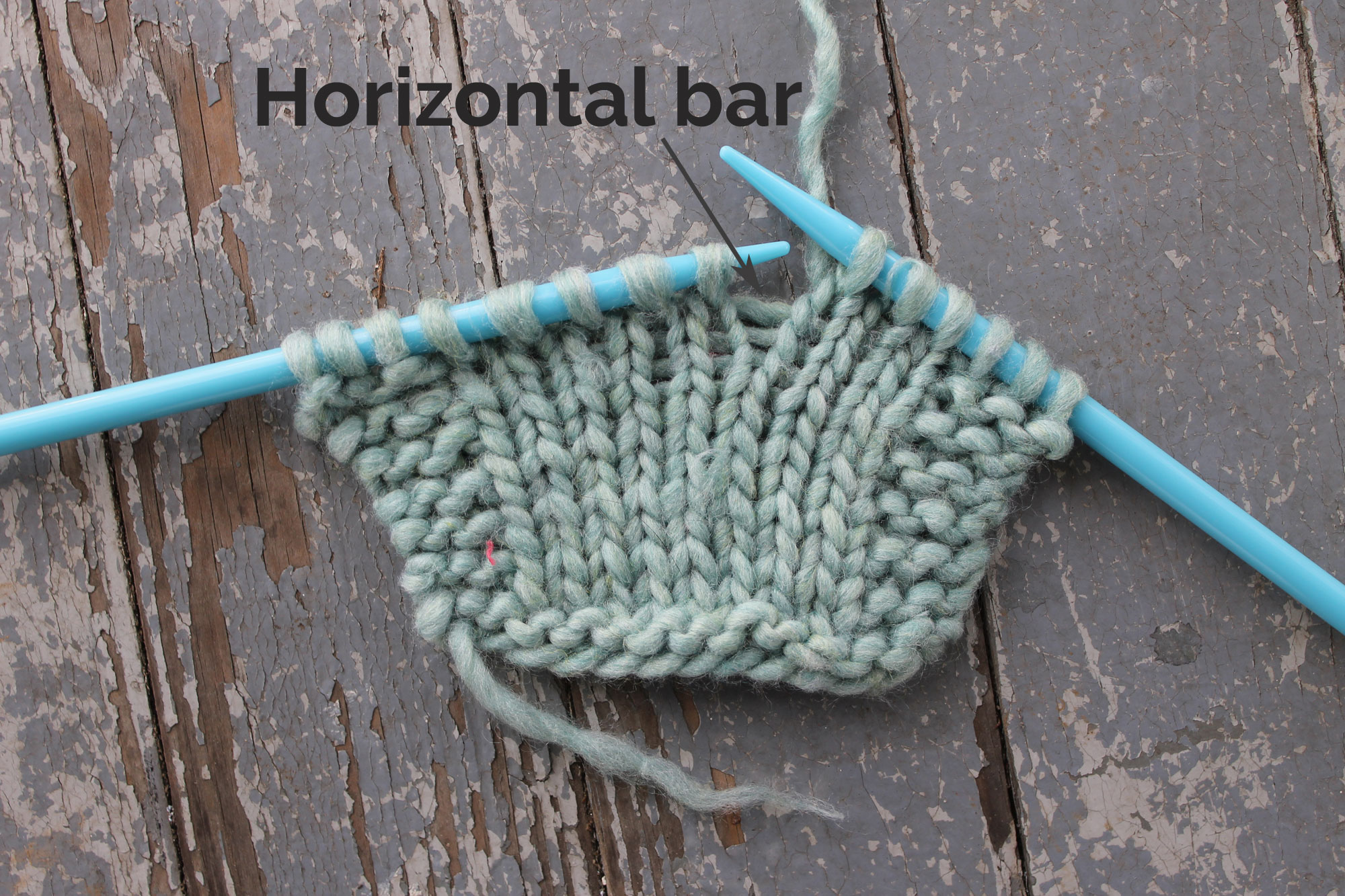 Horizontal bar in make 1 knitting