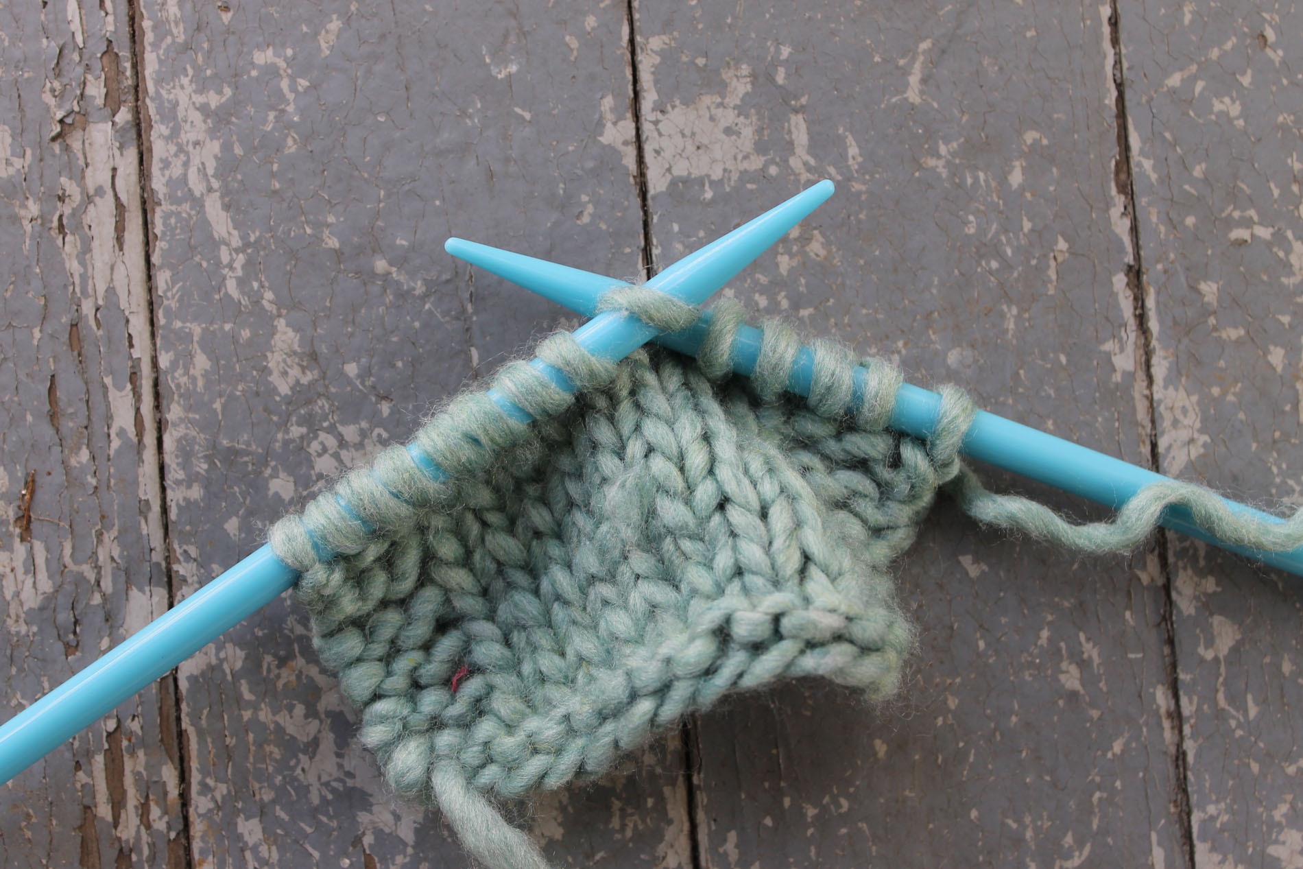 Slipping a stitch in knitting