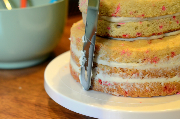 Frosting a Semi-Naked Cake