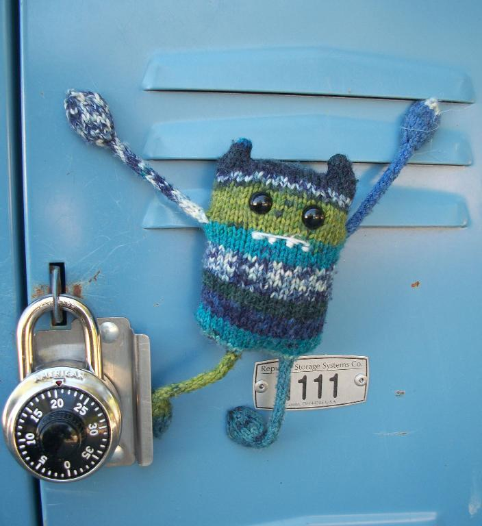 Unique Knitting Patterns: Carl the Locker Monster