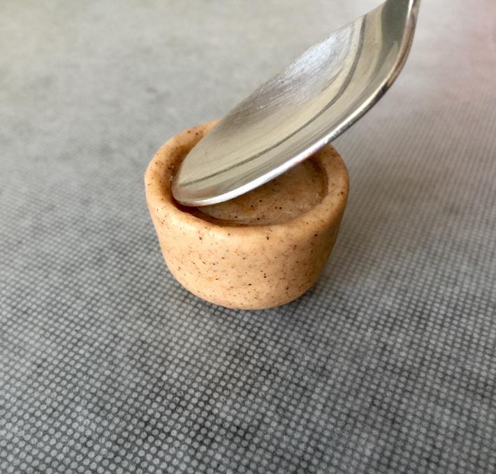 use spoon to create depth