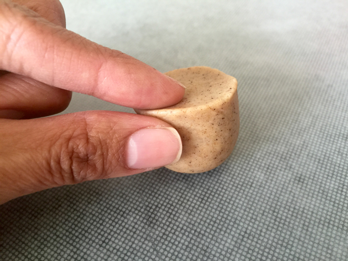 use fingers to pinch edges