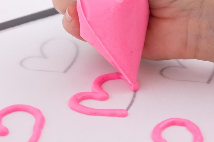Pipe chocolate hearts