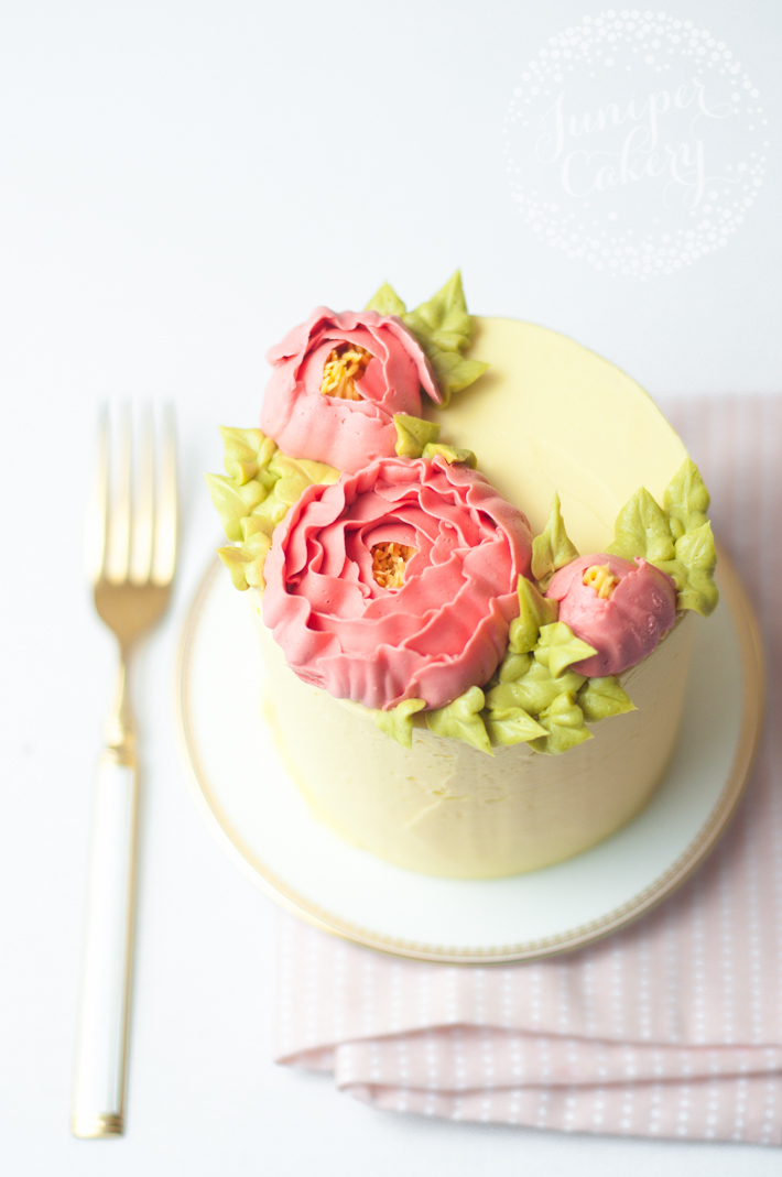 How to pipe pretty peonies with buttercream