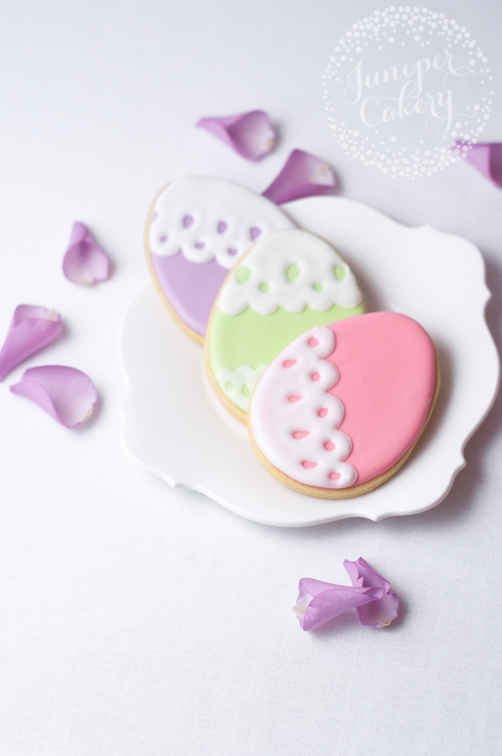Simple and sweet Easter egg cookie decorating tutorial