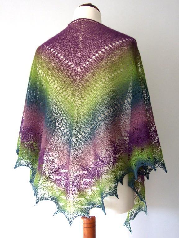 Simplicity Triangle Shawl FREE Knitting Pattern