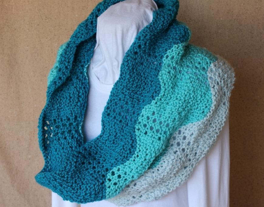 Lace Ripple Knit Cowl Knitting Pattern