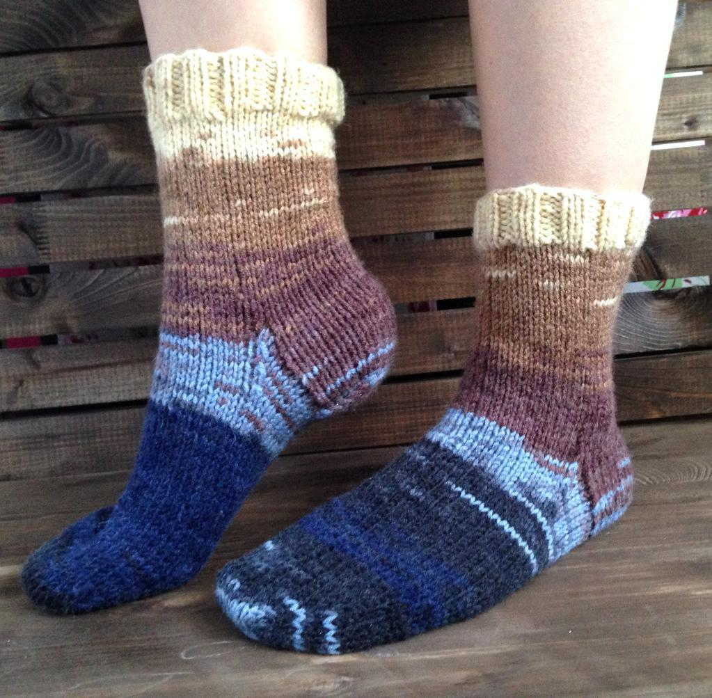 Round trip Socks FREE Knitting Pattern