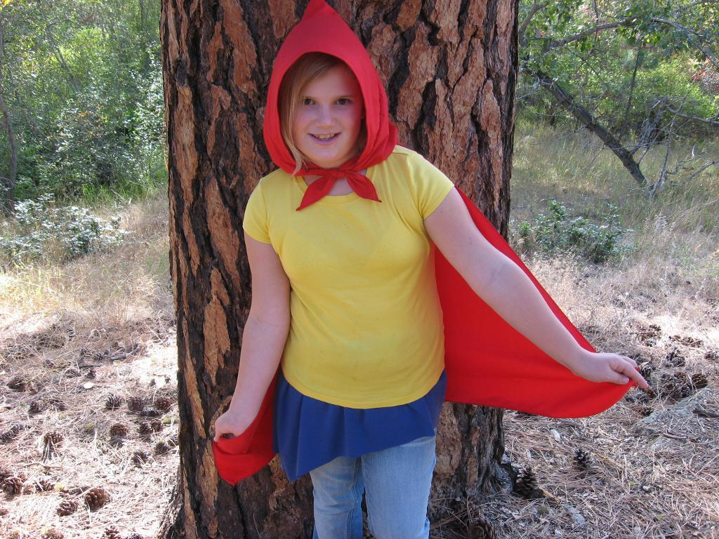 Red Riding Hood Cape FREE Sewing Pattern