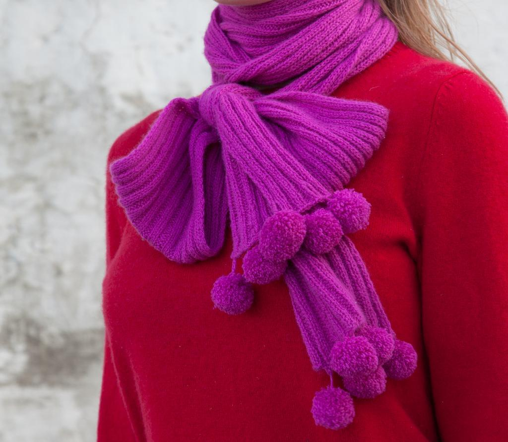 Cashmere Knit Scarf with Pompoms