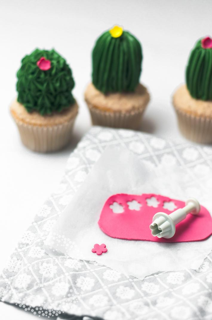 Cactus cupcake tutorial