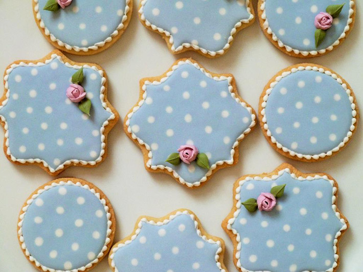 The perfect flooding consistency for royal icing