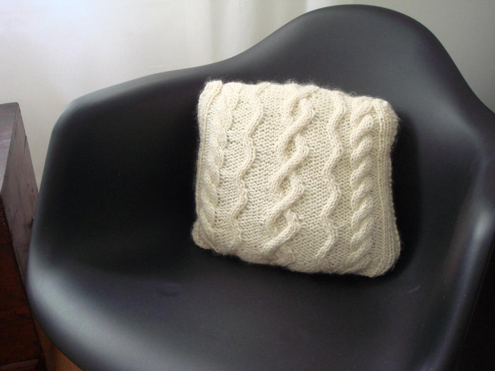 Twisted Cushion FREE Knitting Pattern
