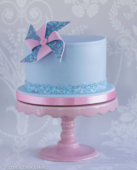 Pretty Pinwheel Birthday cake With Edible Icing Sheet