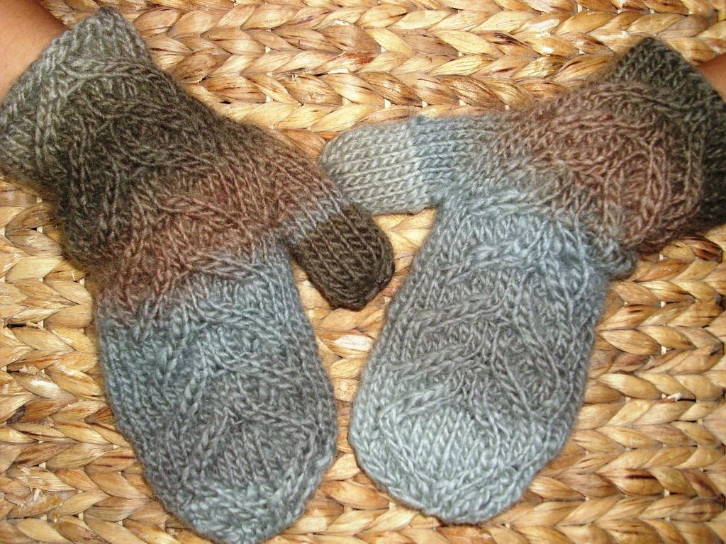 Poplar Mittens FREE Knitting Pattern
