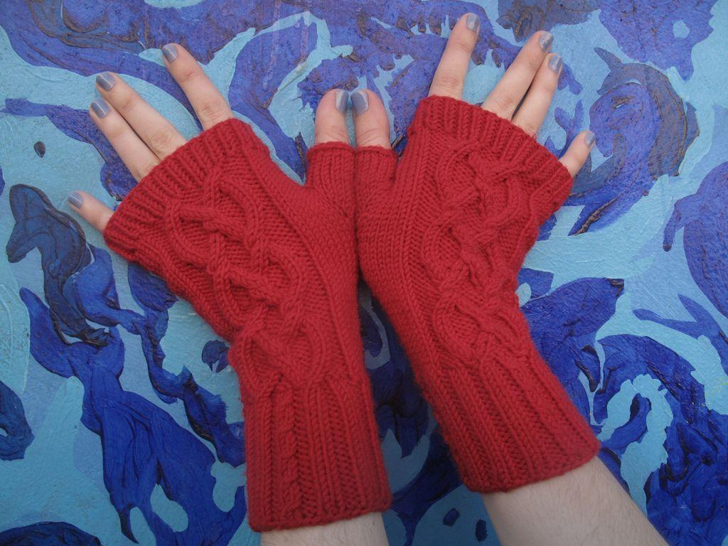 Turritopsis Nutricula Fingerless Mitts FREE Knitting Pattern