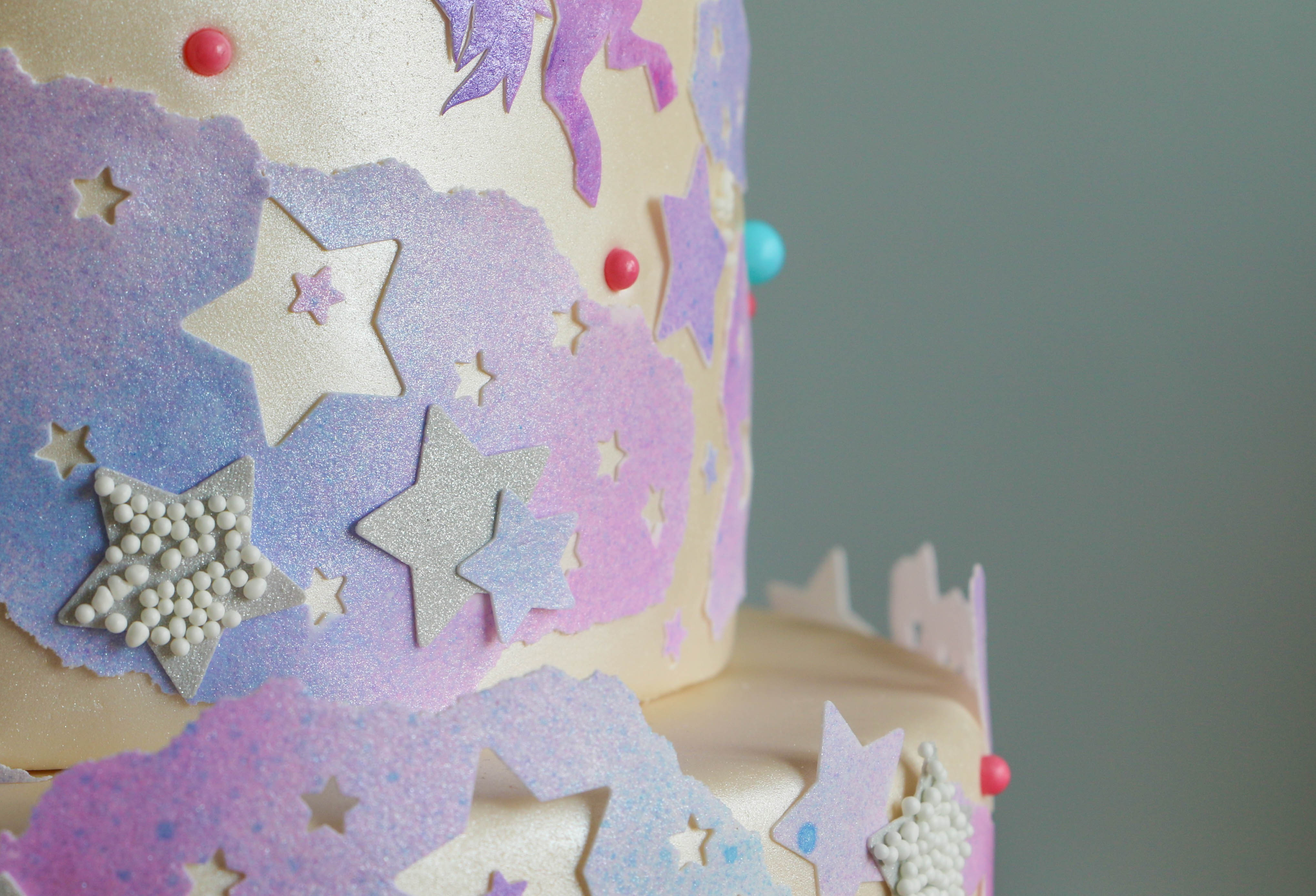 How to Decorate a Cake With Edible Icing Sheets | Erin Gardner | Bluprint