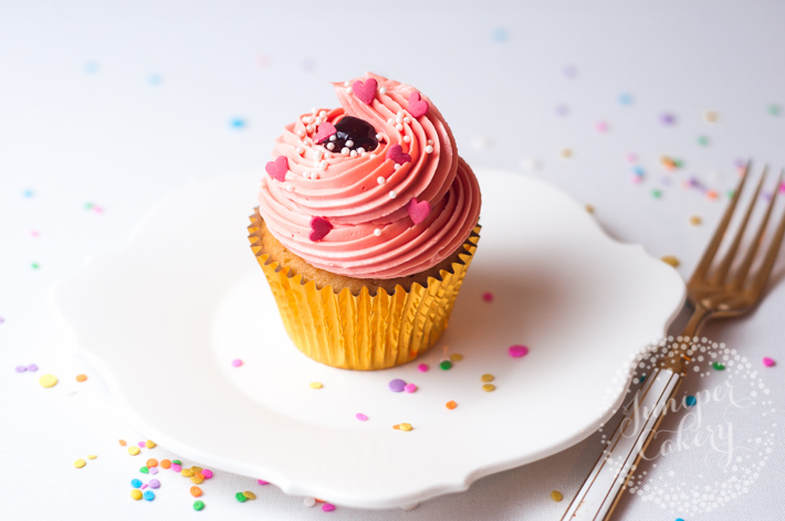 Easy cupcake frosting ideas for beginner bakers