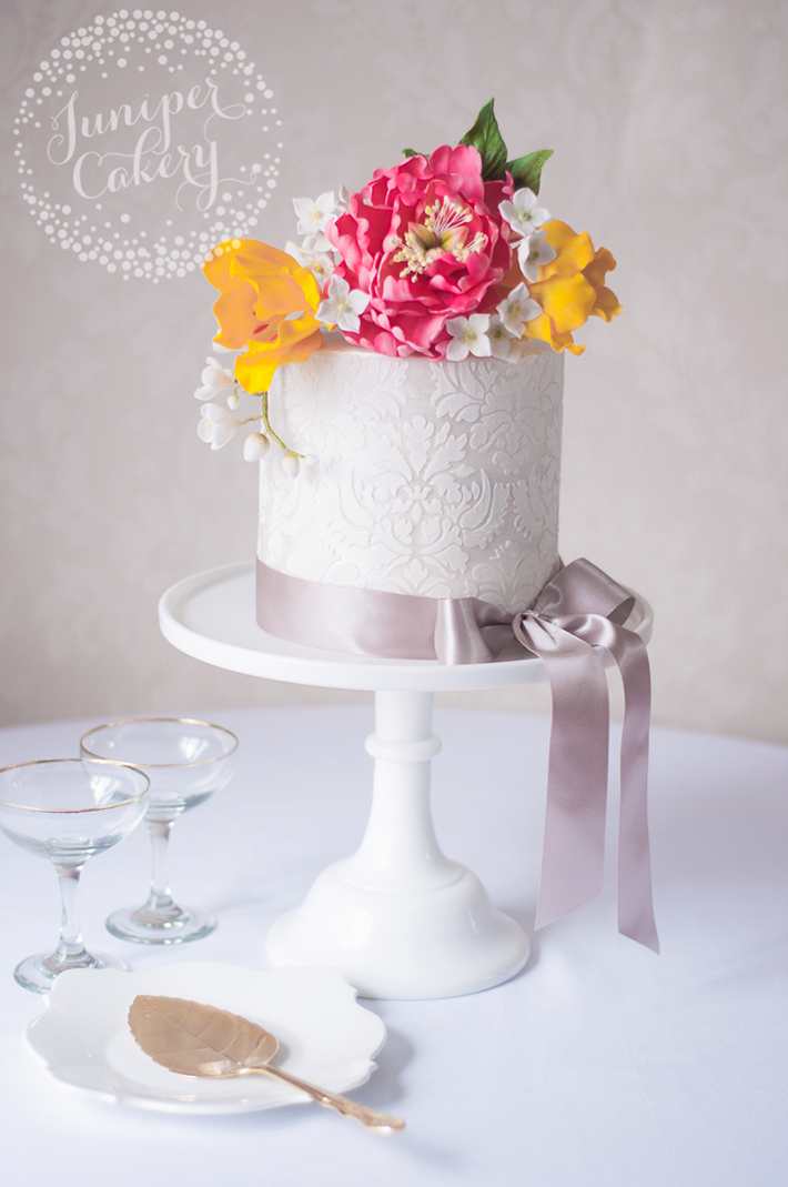 How to stencil cakes with royal icing