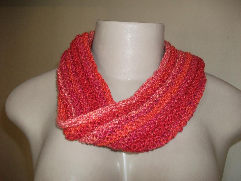 Moebius Cowl with an I-cord