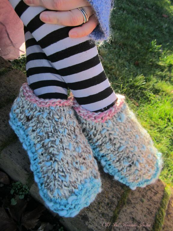 Thrummed Biscotte Slippers FREE Knitting Pattern