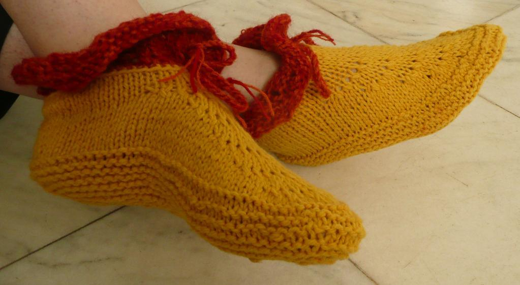 Maria Slippers FREE Knitting Pattern