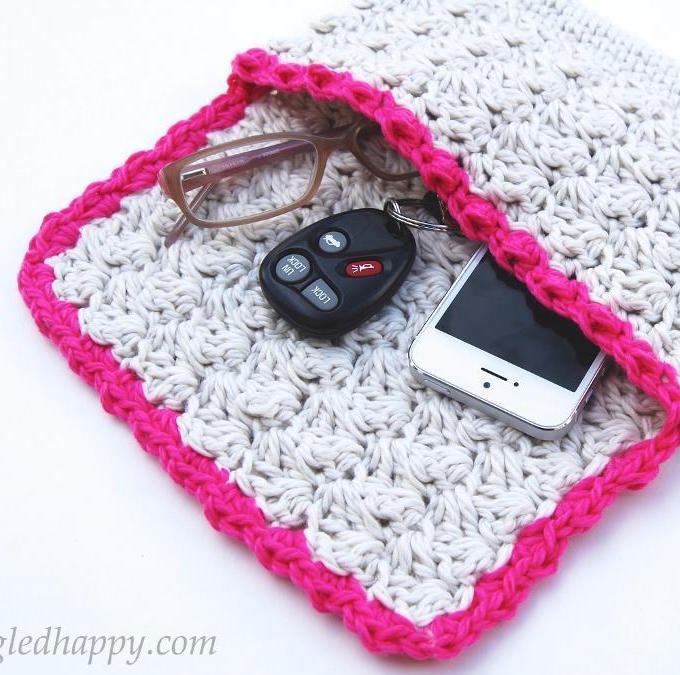 Summer Clutch Crochet Pattern
