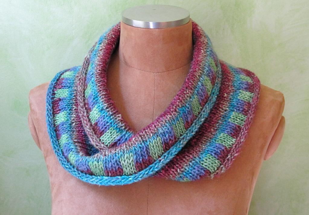 Double Striped Moebius Knitting Pattern