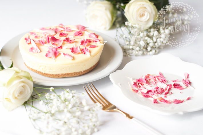 Three quick and easy ways to decorate a cheesecake