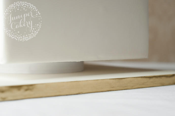 Faux cake stand for wedding cakes designs
