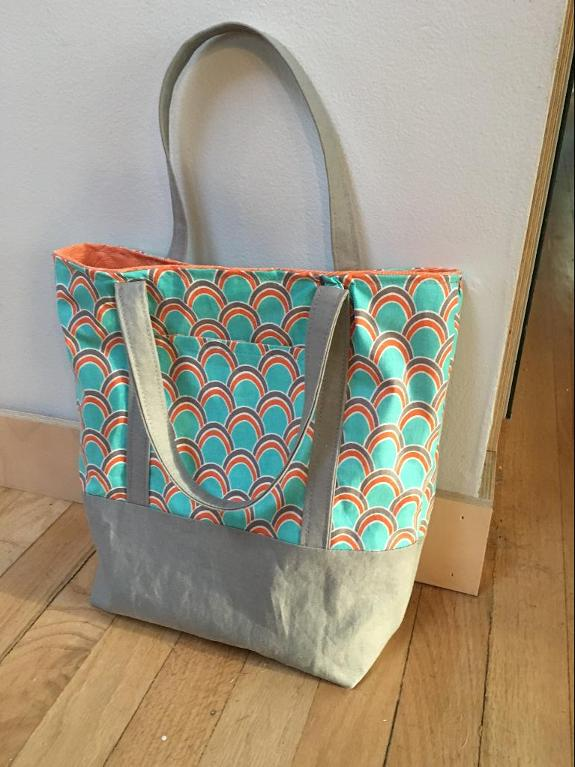 Scalloped Lined Tote