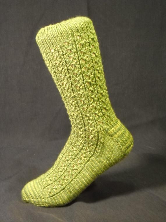 Three Leaf Clover Free Socks Knitting Pattern