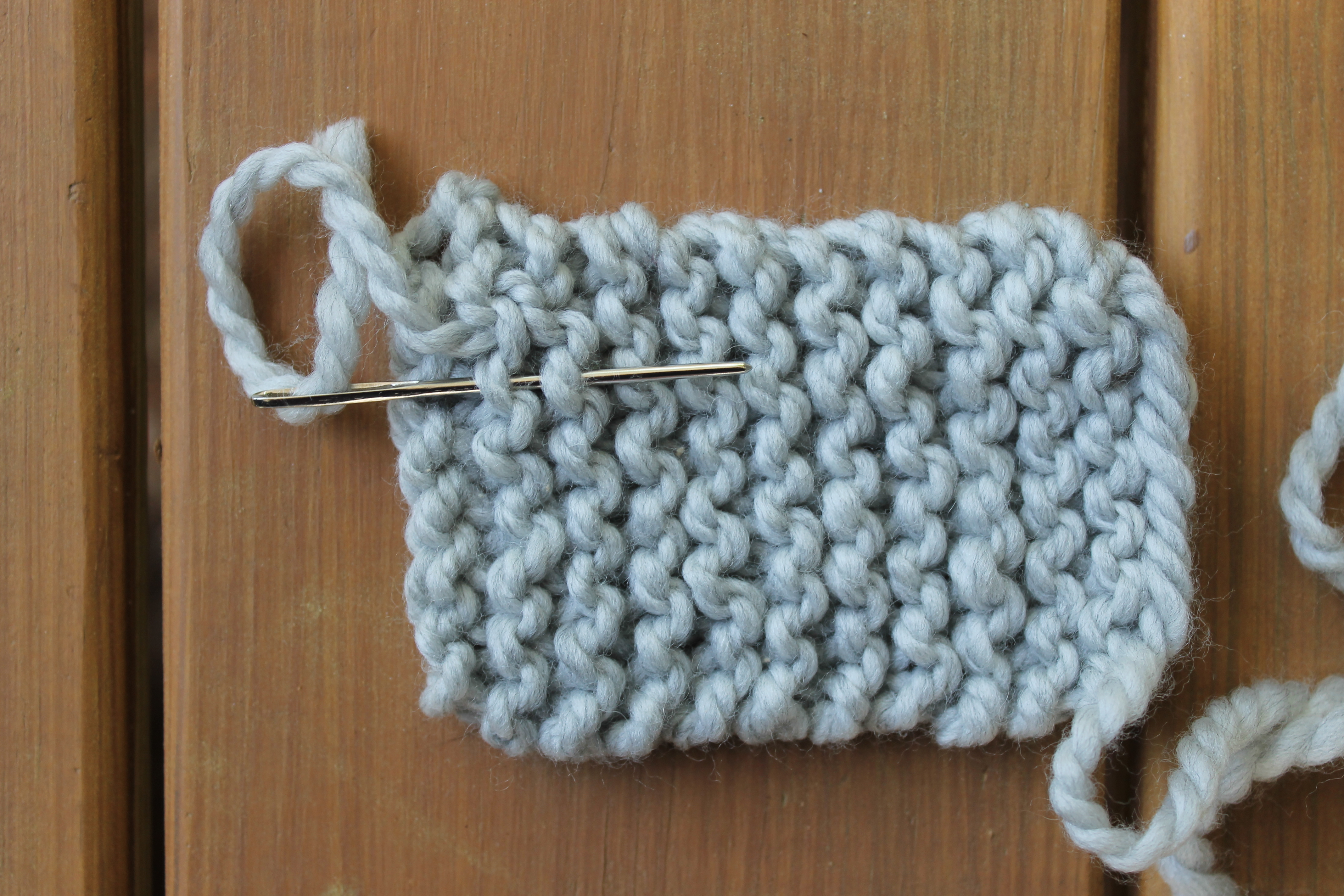 Weaving in the ends for knitting a bow