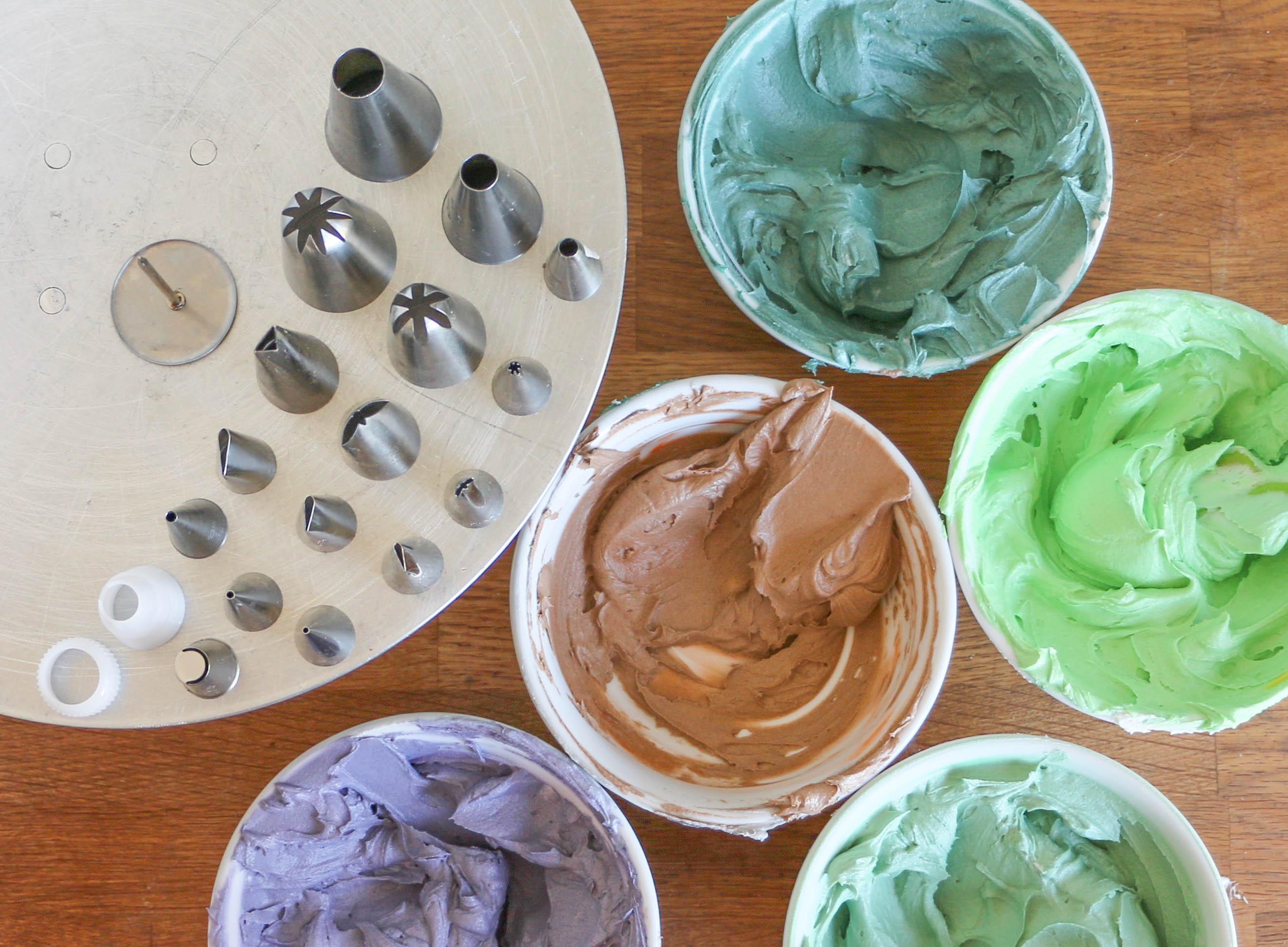 Tinted buttercreams and piping tips | Erin Gardner | Bluprint