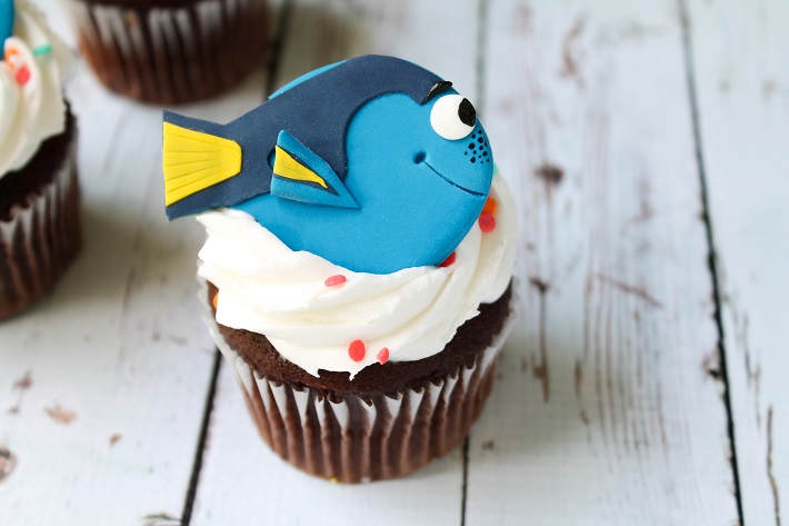 Finding Dory fondant cupcake topper