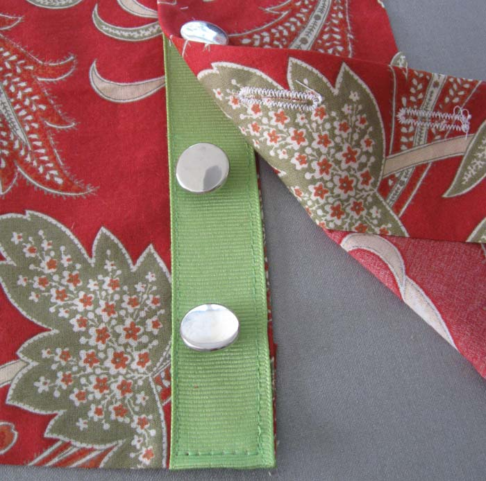buttonhole placket with ribbon