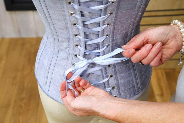 lacing up corset