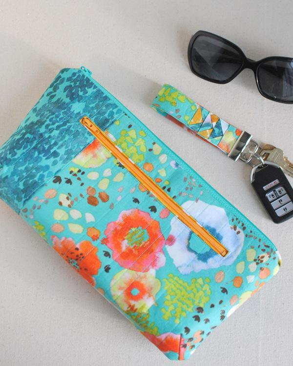 The Poppy Clutch FREE Sewing Pattern